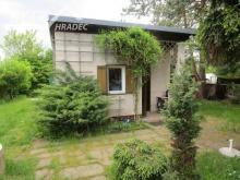 Prodej pozemku s chatkou v Hradci Králové