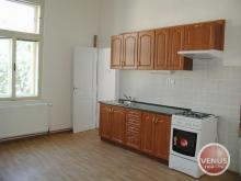 Zděný byt 2+1 (89 m2, 2.p.) - ulice Čelakovského - Hradec Králové