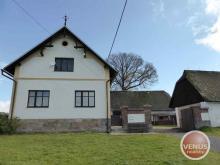 Zemědělská usedlost 7+2, stáje a pozemky 3.300 m2 - Hajnice u Trutnova