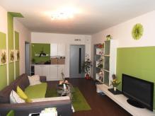 Prodej nastandarně zrekonstr. bytu 3+1 s lodžií v OV - HK - Nový Hradec Králové