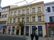 Pronájem prodejna s výlohou,  68 m2,  rušná třída ČSA