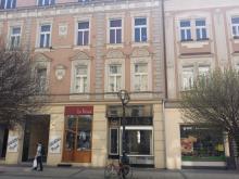 Pronájem prodejny na pěší zóně,  38 m2 s výlohou ve Švehlově ulici