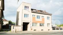 Prodej zdravotního střediska s bytem 2+1 v Hradci Králové