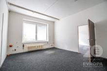 Pronájem dvoukanceláře 19 m2 a 17 m2 v Hradci Králové