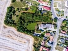 Pozemek ke stavbě domu o velikosti 5800 m2 v obci Hlušice