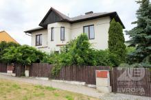 Prodej bytové jednotky 3+1 v rodinném domě se zahradou na Novém Hradci Králové