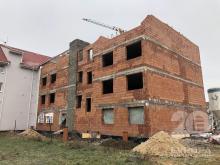 Mezonetový byt 4+kk s balkonem ve výstavbě v Novém Bydžově