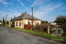 Rodinný dům k rekonstrukci v obci Nové Dvory u Kutné Hory, 1 hod do Prahy