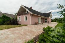 Rodinný dům 4+kk s pozemkem 1837 m2 v obci Suchá u Nechanic