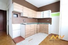 Prodej bytu v OV 3+1, 70 m2/L, Hradec Králové - ul. Hradecká.