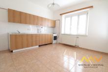 Pronájem rekonstruovaného bytu v centru 3+1, 85 m2/L, Hradec Králové - ul. Břetislavova.