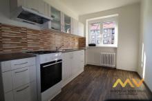 Pronájem rekonstruovaného bytu 2+1, 62 m2/B, Hradec Králové - ul. Ladova.