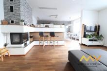 Prodej rekonstruovaného rodinného domu 7+kk, 240 m2 s přístavbou a terasou, Kostelec nad Orlicí.